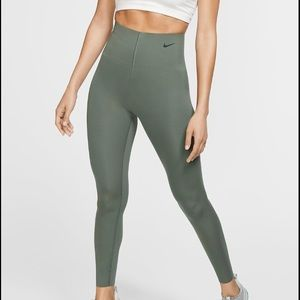 ✔️ NWT✔️ NIKE Sculpt Lux 7/8 tights ~ S